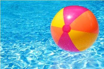 Игры у бассейна фото 373-835