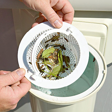 Уборка мусора из скиммера